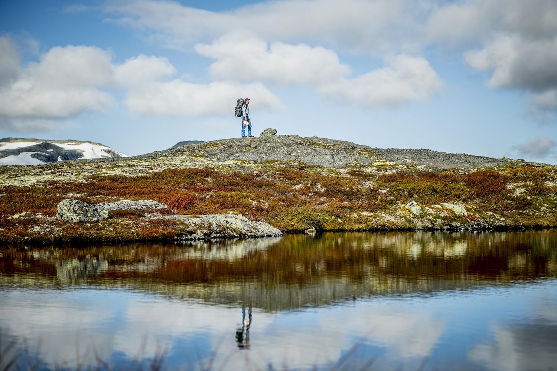 Wandelen in Noorwegen doet je intens genieten van de beeldschone natuur.