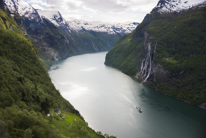 Uitzicht over het Geirangerfjord - fotocredit: CH/Visitnorway.com
