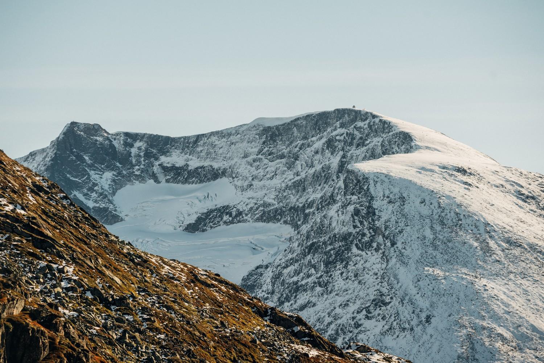 Skala in de verte: de hoogte van de berg wordt op deze manier goed duidelijk - Photocredit: Bård Basberg/Loen Skylift