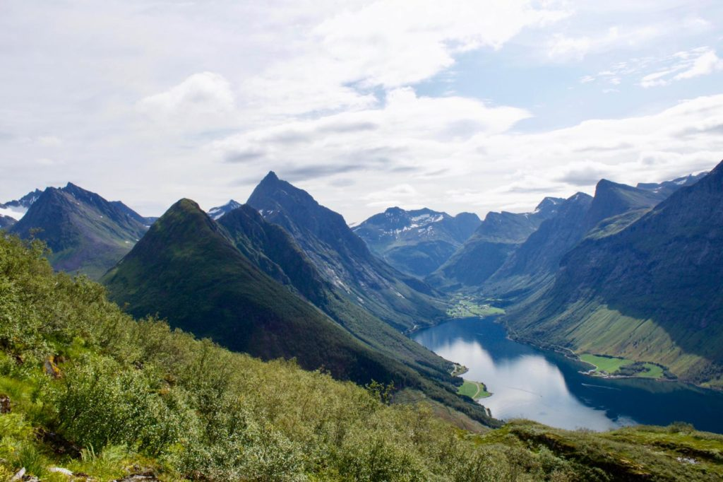 Dagwandeling Noorwegen: klimmen naar Saksa