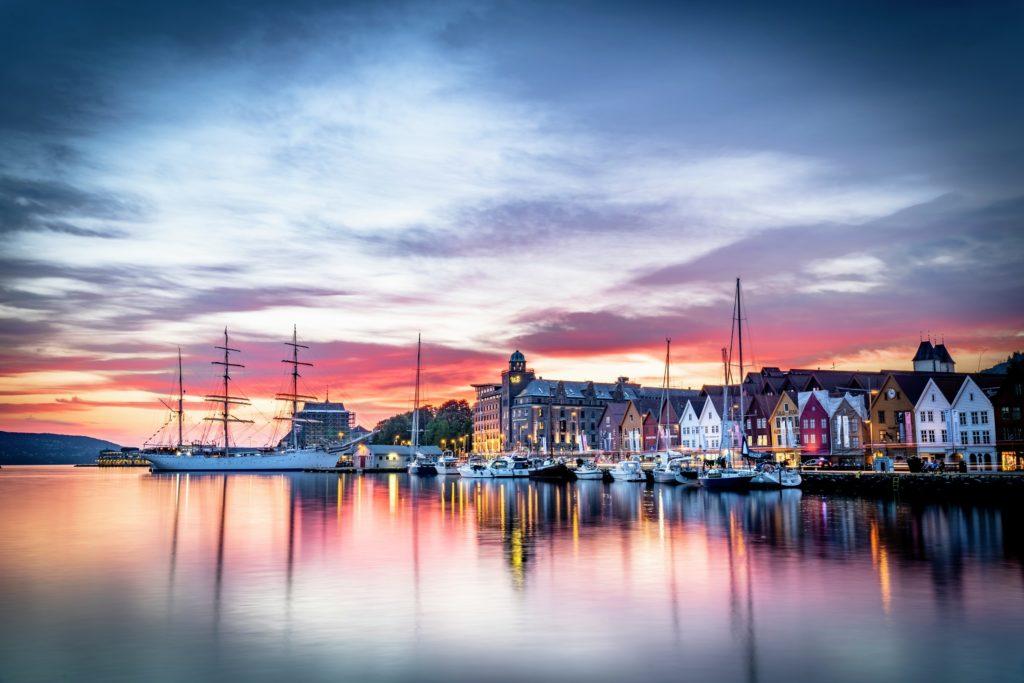 Vliegen naar Noorwegen, bijvoorbeeld naar Bergen